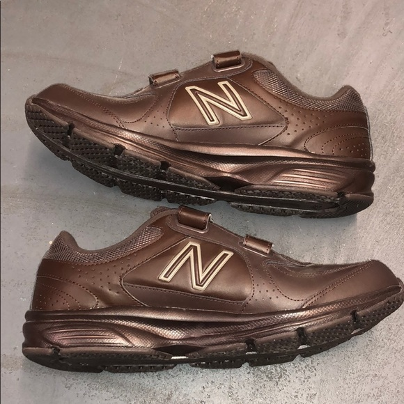 mens velcro tennis shoes